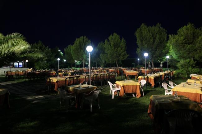 Tavoli all'aperto - Ristorante nel Salento - Masseria La Duchessa Veglie (LE)