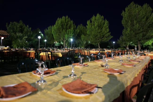 Buffet esterno - Ristorante nel Salento - Masseria La Duchessa Veglie (LE)